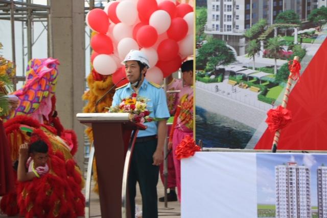 Thượng tá Nguyễn Quốc Doanh – Chủ tịch HĐQT, Bí thư Đảng Ủy Công ty cổ phần ACC-244 phát biểu tại buổi lễ